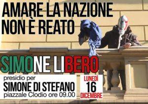 Das Bild Simone di Stefanos, Vizepräsident von CasaPound, wie er mit der Maske in den italienischen Nationalfarben die EU-Fahne entwendet, wird wie eine Ikone behandelt