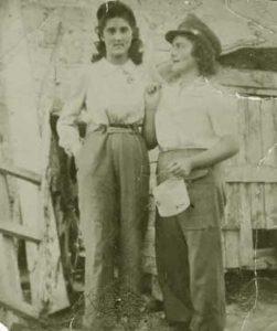 Giovanna Quadreri mit ihrer Schwester 1945