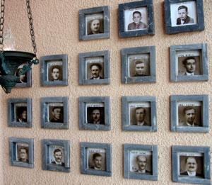 Gedenken an die Opfer auf dem Friedhof von Cumiana