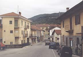 Straßenzug in Cumiana 2002