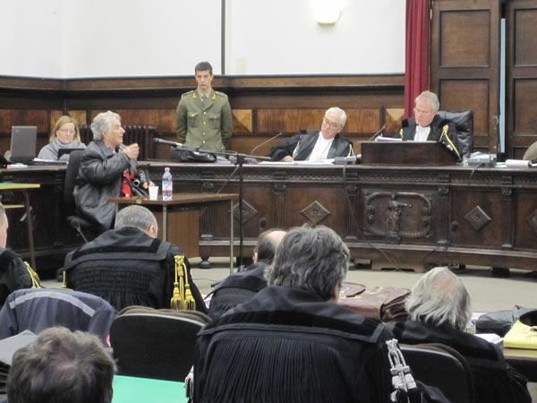 Befragung einer Zeugin aus Cervarolo im Prozess von Verona